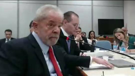 Ex-presidente Lula presta depoimento na ação do sítio de Atibaia