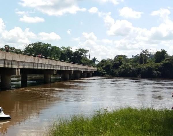 Avô e neto de 3 anos desaparecem em rio de MT; corpo do idoso é encontrado