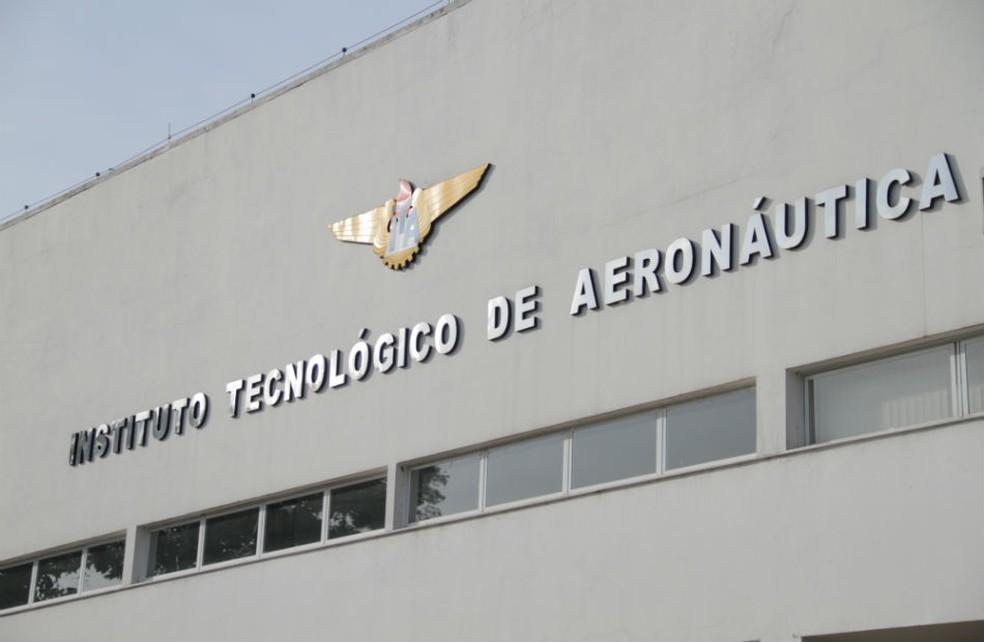 Fachada do prédio do ITA em São José dos Campos (Foto: Carlos Santos/G1)