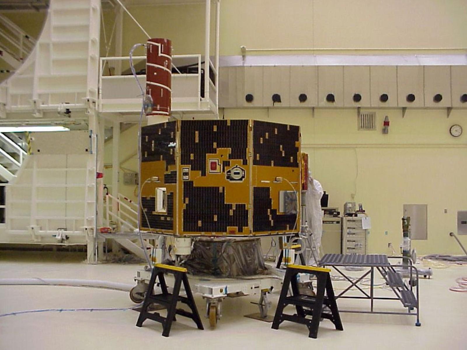 Astrónomo amador descobre satélite que estava perdido há 12 anos no espaço