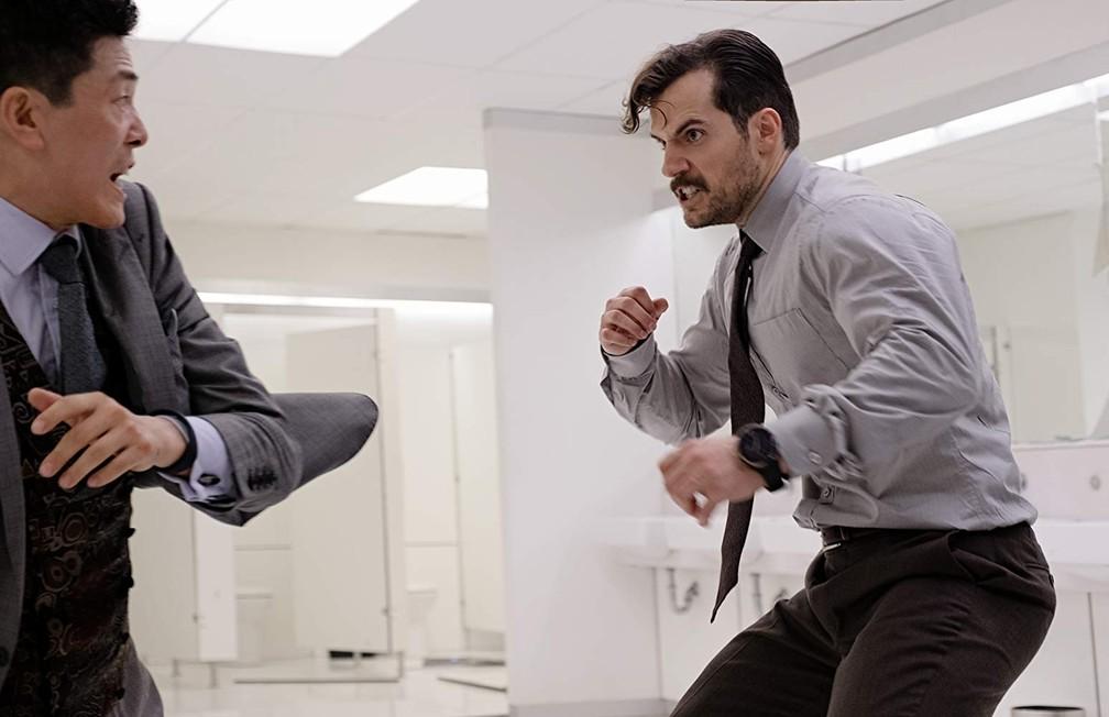 Henry Cavill (e seu bigode glorioso) estrelam uma das melhores cena de ação de 'Missão Impossível - Efeito fallout' (Foto: Divulgação)