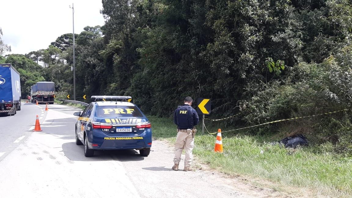 Jovem morre atropelado ao tentar atravessar trecho da BR-116, em Campina Grande do Sul