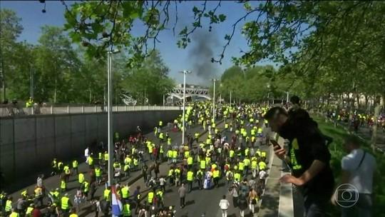 Mais de 220 são presos em protesto dos 'coletes amarelos' na França