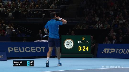 Em partida incrível de quase três horas, Thiem vira sobre Djokovic e avança à semi do ATP Finals