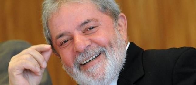 Lula sorri em encontro com jornalistas (Foto: Wilson Dias / Agência Brasil)