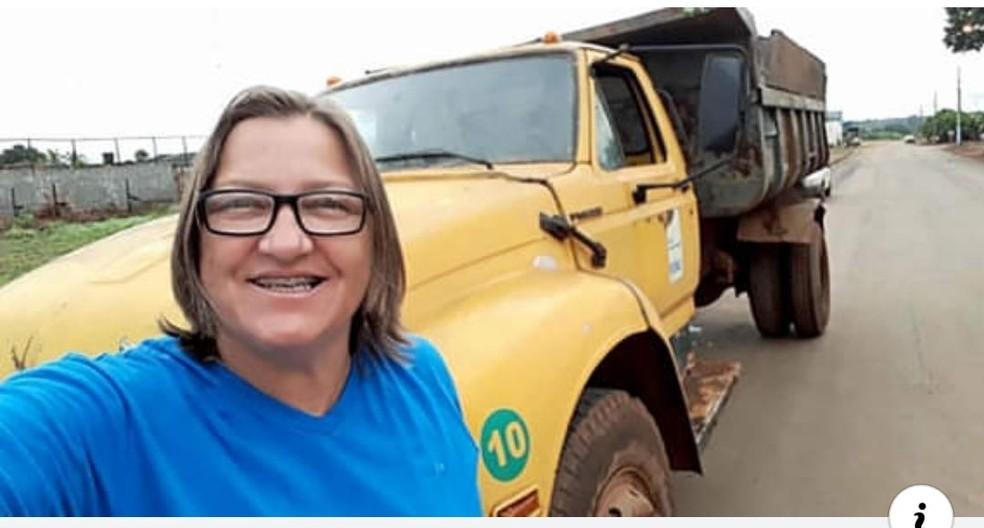 Vereadora Sidonia Kessler foi flagrada dirigindo pelas ruas da cidade mesmo alegando estar com atestado médico — Foto: Divulgação