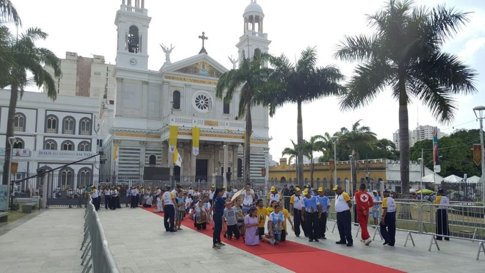 -  A Praça Santuário é o pontode chegada da imagem de Nossa Senhora de Nazaré durante o Círio  Foto: André Laurent / TV Liberal