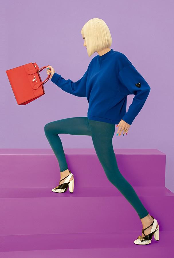 Bolsa City Steamer, R$ 16.400, blusa, R$ 8.550, anel, preço sob consulta, e sapatos, R$7.550, tudo Louis Vuitton (Foto: Guilherme Nabhan)