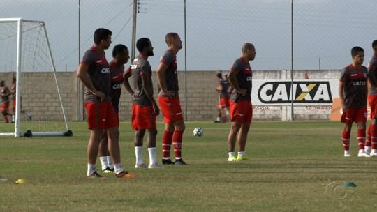 """Felipe Menezes pede concentração para CRB evoluir fora de casa: """"Depende de nós"""""""
