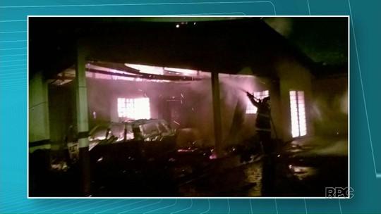 Incêndio destrói parte do destacamento da PM em Presidente Castelo Branco