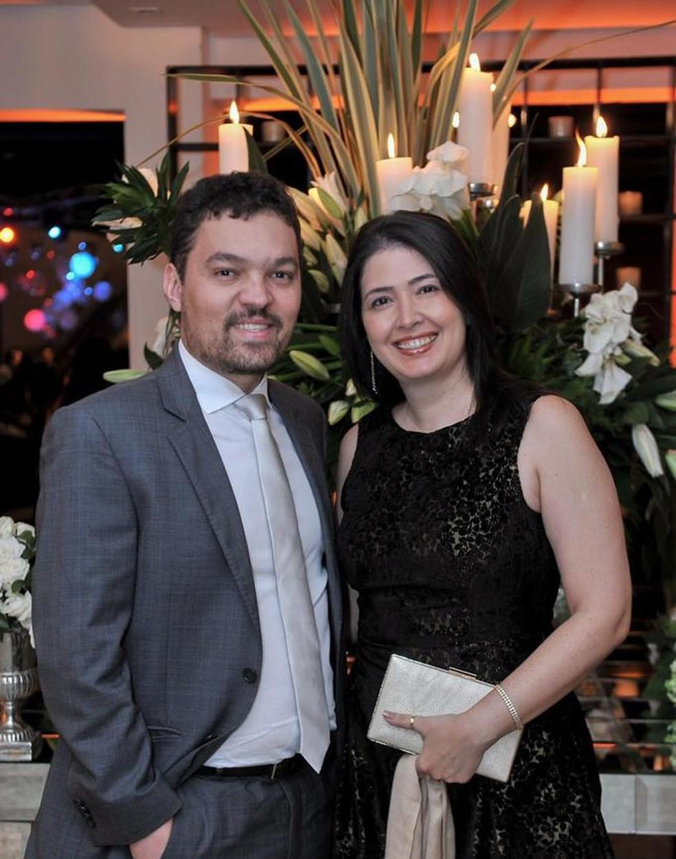 Gabriel Garcia e a esposa Fabiana Queiroz — Foto: Arquivo pessoal