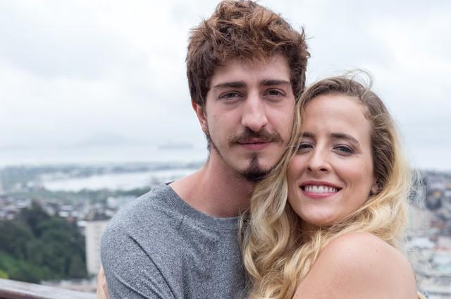 Johnny Massaro e Karina Ramil  (Foto: Helena Barreto)