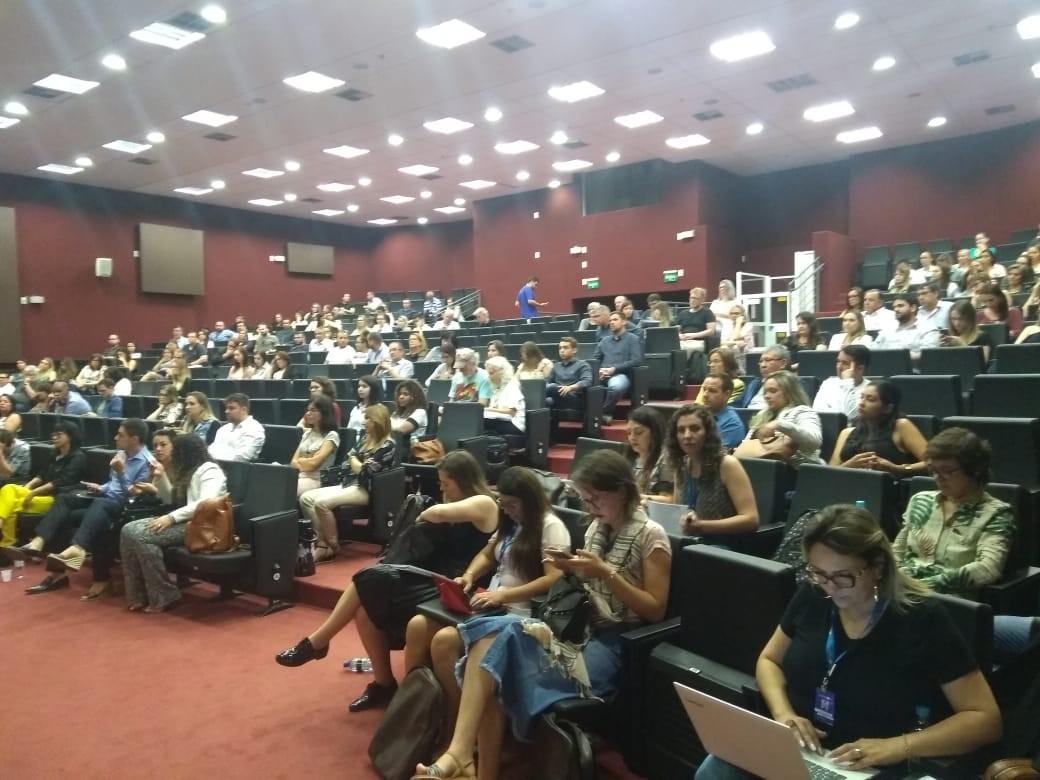 Programa Mais Médicos apresenta 140 profissionais que preencheram vagas de cubanos no RS - Noticias