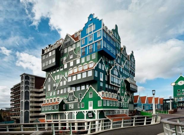 A fachada do Amsterdam Zaandam é composta por casas típicas da região (Foto: Divulgação)