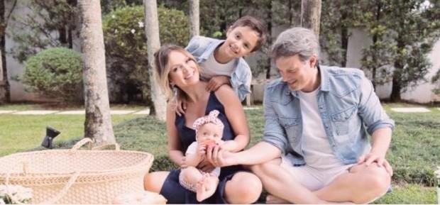 Eliana em família (Foto: Reprodução/Instagram)