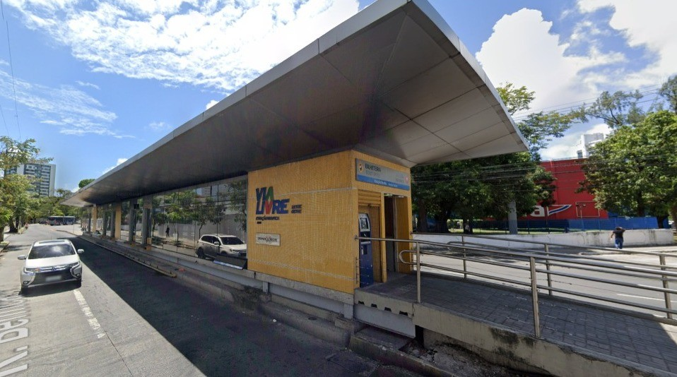 Estação de BRT é fechada para obras e seis linhas de ônibus são afetadas na Zona Oeste do Recife
