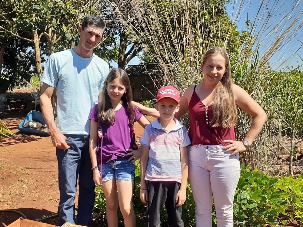 Família Flesch em fazenda na região de São Gabriel do Oeste (MS). — Foto: Veja Aqui MS
