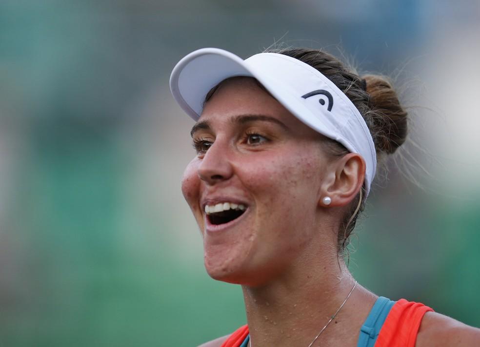 Bia venceu bem e vai forte para sua primeira final de um torneio da WTA (Foto: EFE)
