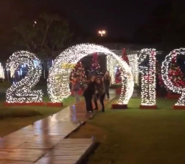 Os estúdios da Rede Globo aguardam a virada com uma decoração especial para Natal e Ano Novo (Foto: Instagram/ Reprodução)