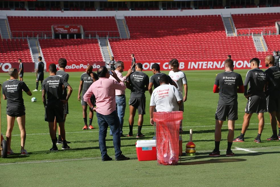 Reapresentação do Inter foi marcada por conversa para remobilização antes do Gre-Nal (Foto: Eduardo Deconto)