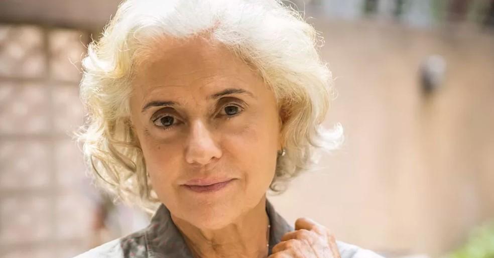 Marieta Severo como Noca em 'Um Lugar ao Sol' — Foto: Globo/Fábio Rocha