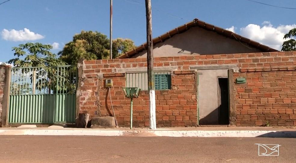 Residência onde a família de maranhenses foi encontrada morta em Silvanópolis no Tocantins — Foto: Reprodução/TV Mirante