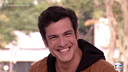 Mateus Solano revela como foi encorajado a seguir carreira: 'Virei ator por fazer as pessoas rirem'