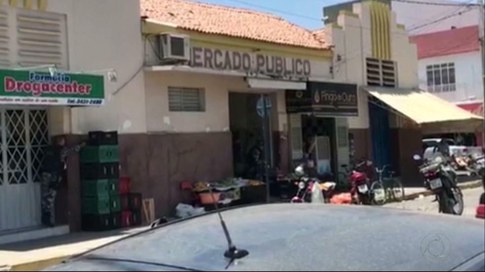 Dupla morre após fazem refém em tentativa de assalto a joalheria em Pombal, no Sertão da Paraíba — Foto: Reprodução/TV Cabo Branco