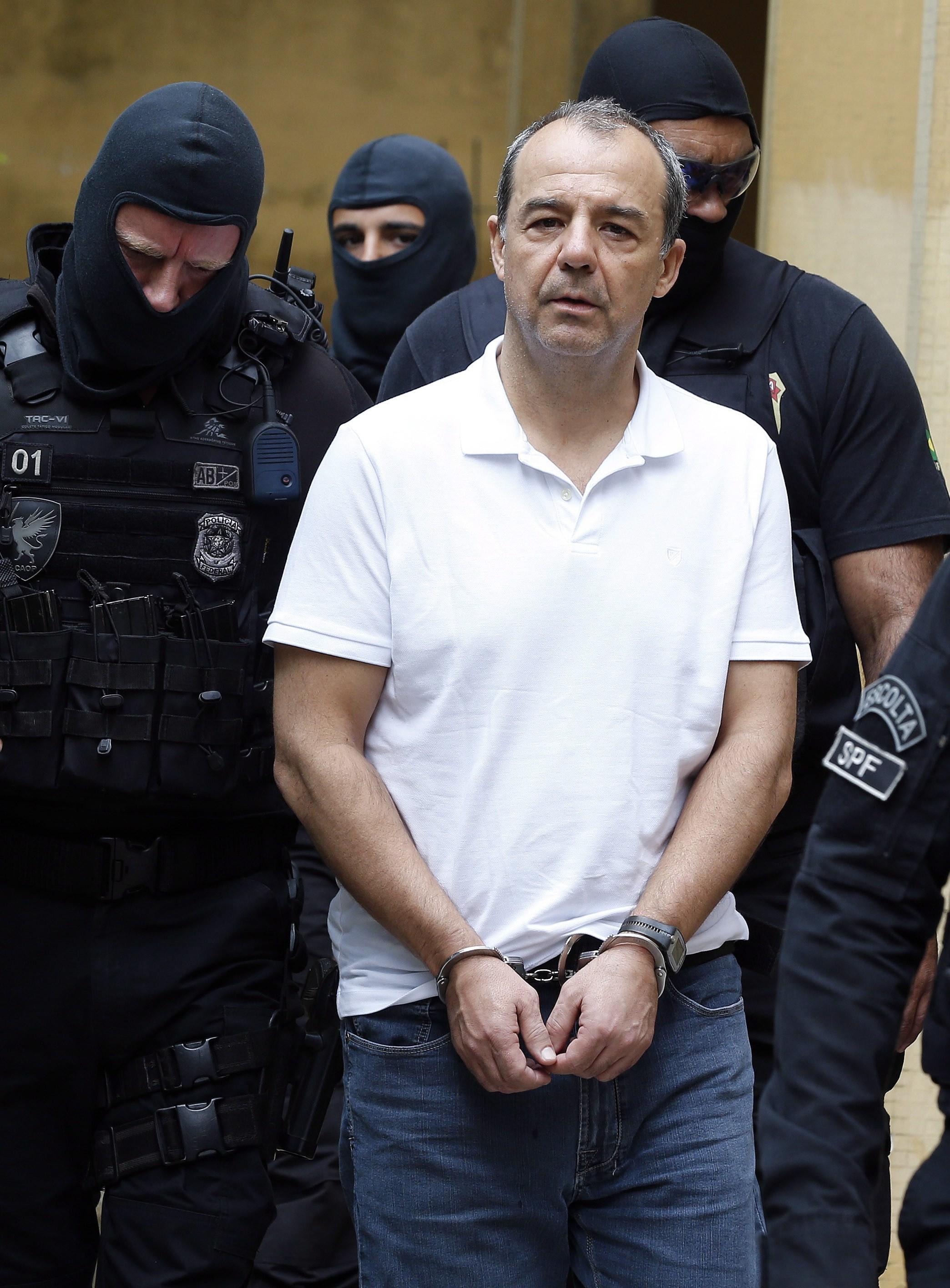 Advogados desistem de caso de Sérgio Cabral