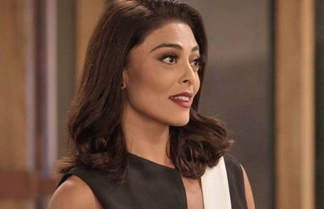 Na terça (11), Carolina (Juliana Paes) decidirá revelar tudo sobre a aposta para Eliza (Marina Ruy Barbosa) TV Globo