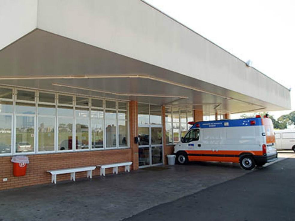 Criança está internada na UTI do Hospital Universitário de Maringá, no norte do Paraná. (Foto: AEN/Divulgação)