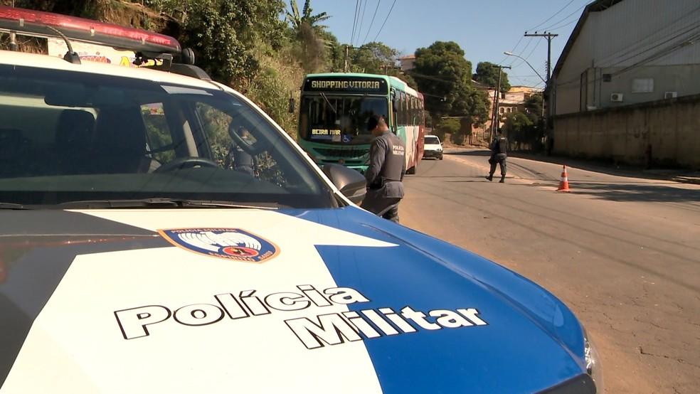 PM faz operação para combater assaltos a ônibus na Grande Vitória — Foto: Reprodução/ TV Gazeta