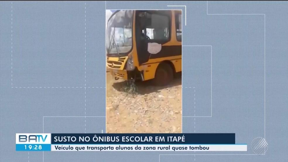 Motorista de ônibus escolar perde controle de direção e quase tomba veículo ao tentar subir ladeiras de zona rural na BA — Foto: Reprodução/ TV Santa Cruz