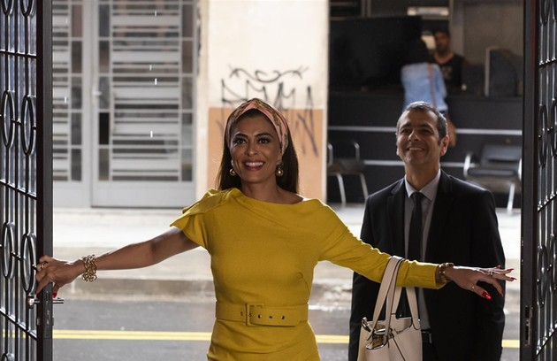 Na segunda-feira (18), Maria da Paz (Juliana Paes) retomará o comando de sua fábrica (Foto: Cesar Alves/ TV Globo)