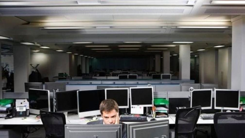 Para as pessoas que dão muito valor a identidades profissionais, a rotina sem trabalho é uma versão pálida da vida — Foto: Getty Images