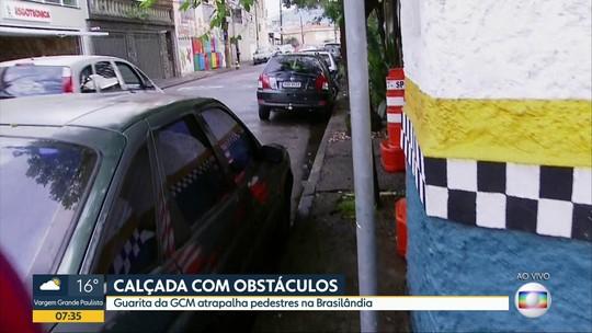 Calçada com obstáculos na Brasilândia