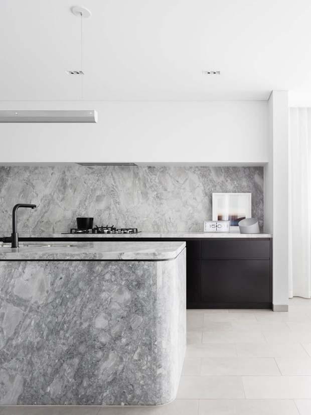 Bancada curva é a nova tendência para cozinhas: veja como usar