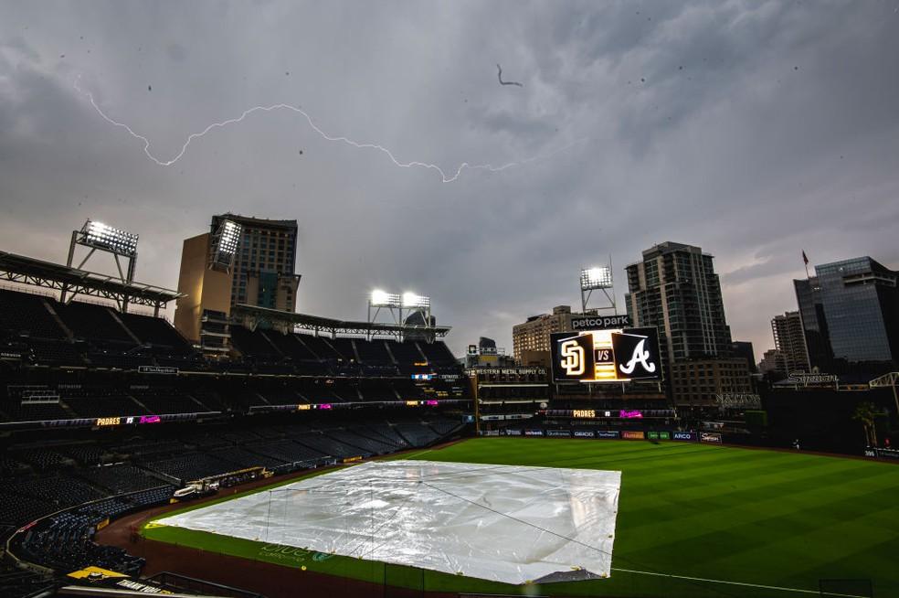 Tragédia antes de jogo no Petco Park, em San Diego — Foto: Matt Thomas/San Diego Padres/Getty Images