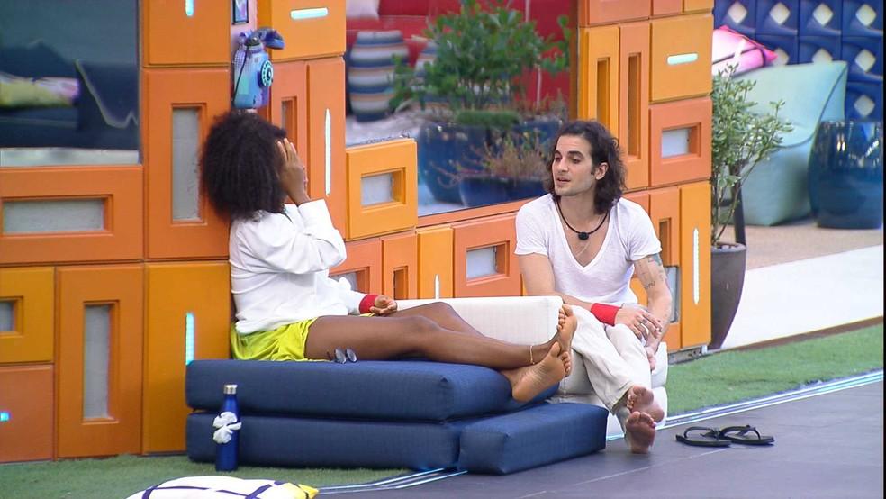Fiuk e Lumena falam sobre Thaís no BBB21 — Foto: Globo