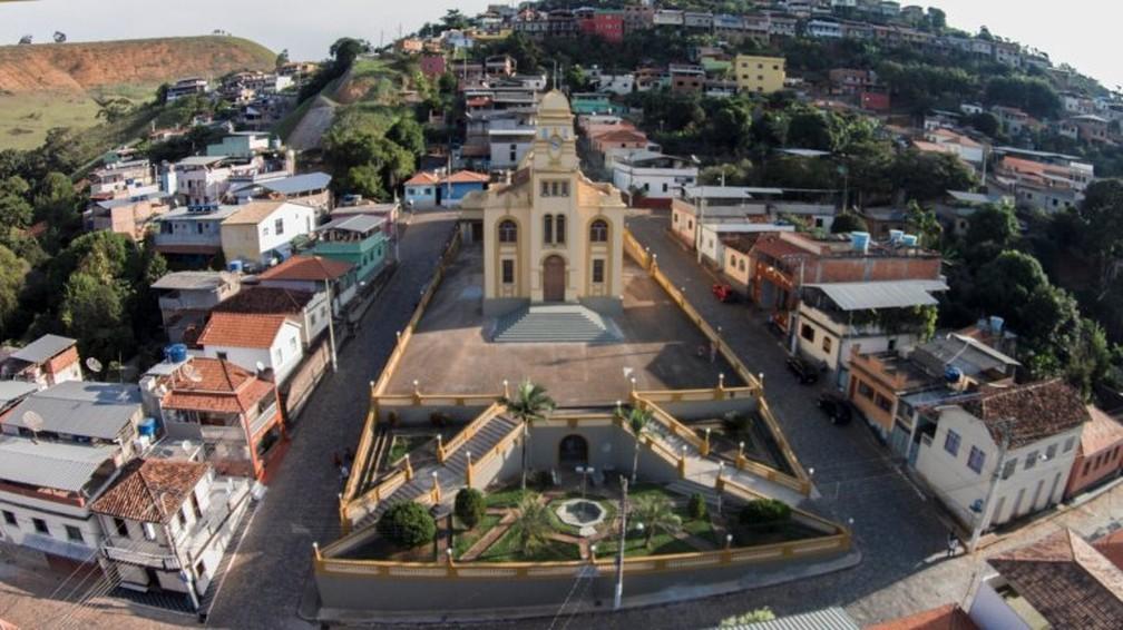 Rio Doce foi primeira cidade mineira a aplicar 1ª dose em toda população adulta — Foto: Prefeitura de Rio Doce/Divulgação