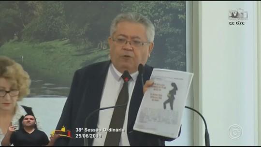 Luís Santos e Iara Bernardi discutem durante sessão da Câmara em Sorocaba; vídeo