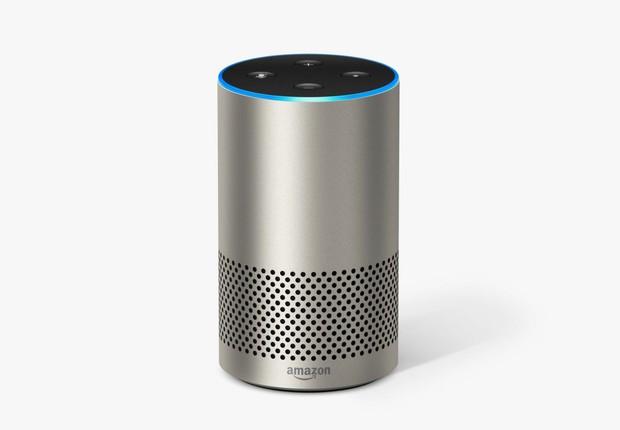 O alto-falante Echo da Amazon tem Alexa como cérebro (Foto: Divulgação / Amazon)
