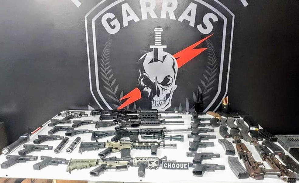 Armas apreendidas em Campo Grande — Foto: Polícia Militar/Divulgação