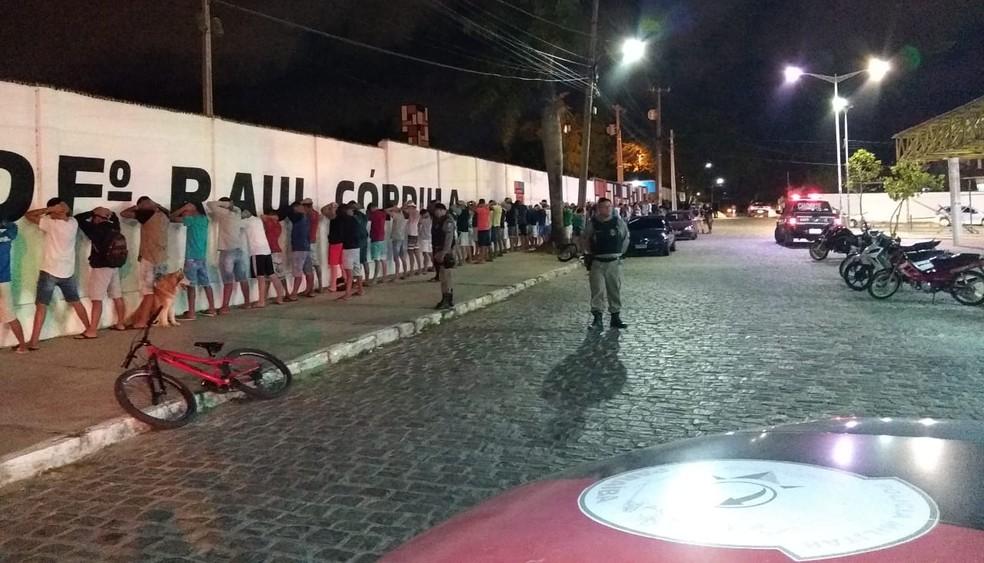 Operação Cidade Segura aborda 250 pessoas em Campina Grande — Foto: Polícia Militar/Divulgação