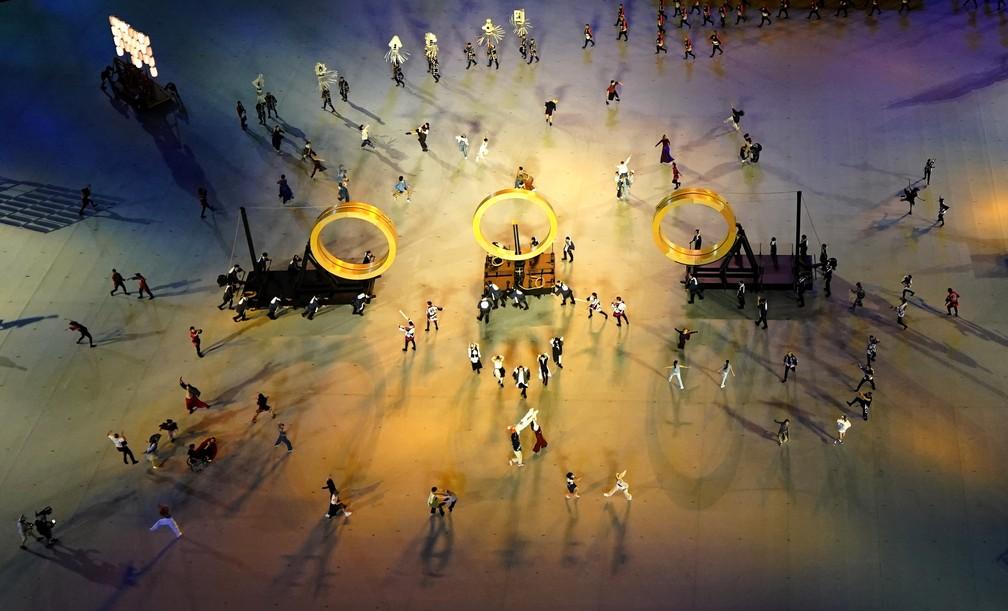 Dançarinos se apresentam durante a cerimônia de abertura dos Jogos Olímpicos de Tóquio, no Japão — Foto: Athit Perawongmetha/Reuters