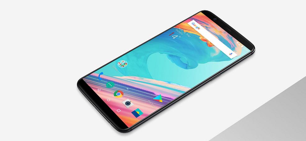 OnePlus 5T traz tela de 6'' com bom aproveitamento na parte fronta (Foto: Divulgação/OnePlus) (Foto: OnePlus)