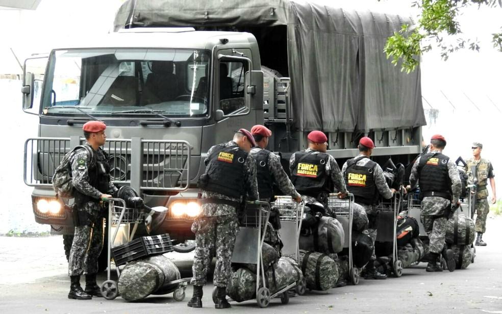 Em 2017, Força Nacional foi acionada para atuar em Manaus após série de ataques de criminosos — Foto: G1 AM