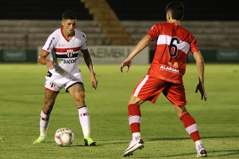 CRB soube se defender em Ribeirão Preto — Foto: José Bazzo/Agência Botafogo