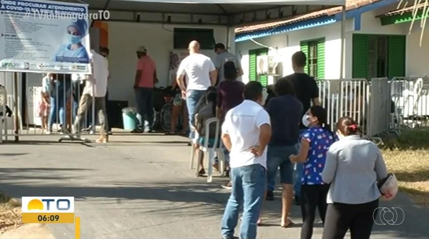 Casos de Covid-19 crescem em Gurupi e moradores fazem fila em UPA na busca por atendimento