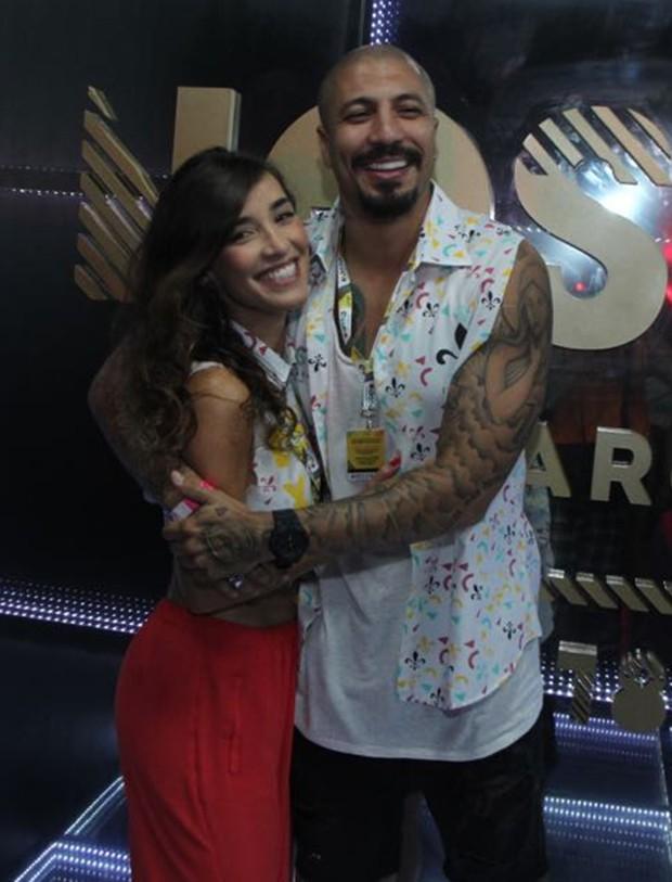 Fernando Medeiros e Carol Alves (Foto: Marcello Sá Barretto / AgNews)